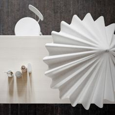Dancing Pendant lamp http://www.skandiamo.lt/Interjerui/Pakabinami-sviestuvai/Pakabinamas-sviestuvas-Dancing-baltas.html?listtype=search&searchparam=dancing