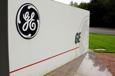 GE scraps bonuses for top execs for first time in 126 years