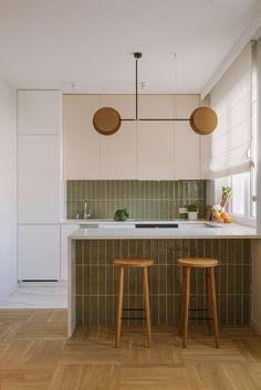 Nowoczesne mieszkanie z nutą mięty | Dziurdzia Projekt Home Decor Kitchen, New Kitchen, Home Kitchens, Kitchen Ideas, Kitchen Small, Interior Desing, Interior Design Living Room, Kitchen Peninsula, Sweet Home