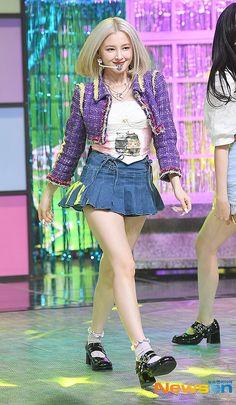 Nancy Jewel Mcdonie, Nancy Momoland, The Most Beautiful Girl, Beautiful Asian Girls, South Korean Girls, Korean Girl Groups, Pleated Mini Skirt, Mini Skirts, J Arrive
