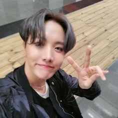 [TWTTER] JHope update Thank you to all the fans that watched Jimin, Vlive Bts, Hoseok Bts, Bts Bangtan Boy, Namjoon, Gwangju, Jung Kook, Foto Bts, Bts Photo
