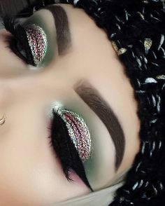 My moonchildglowkit looks like my old plays with it . and this glitter ❤❤❤❤. so easy to use Morphe, Abh, Sparkle Eye Makeup, Brows On Fleek, Easy To Use, Insta Makeup, Makeup Art, Plays, Septum Ring
