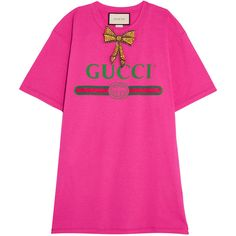 Gucci Embellished printed cotton-jersey T-shirt (€805) ❤ liked on Polyvore featuring tops, t-shirts, gucci, bright pink, embellished t shirts, oversized tee, initial t shirts, oversized t shirt and embellished tee