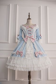 Lace Market is the largest online marketplace for EGL (Elegant Gothic Lolita) Fashion. Sell and buy Lolita dresses, skirts, accessories and more with thousands of users around the world! Harajuku Fashion, Kawaii Fashion, Lolita Fashion, Cute Fashion, Emo Fashion, Gothic Fashion, Fashion Online, Gothic Dress, Lolita Dress