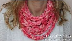 Knitting Patterns Scarf DIY Learn How to Make Infinity Scarf Circle Loop Cowl Beginner Finger Crochet Chain Arm Knitting Crochet Scarf Tutorial, Crochet Scarf Easy, Stitch Crochet, Crochet Chain, Crochet Scarves, Knit Crochet, Learn Crochet, Crochet Lion, Beginner Crochet