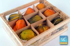 Fa, Mango, Fruit, Vegetables, Halloween, Manga, Vegetable Recipes, Veggies, Spooky Halloween