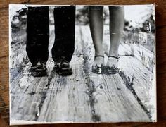 photo transfer - again laser printed pic mirror image. heavy mod podge on canvas. place photo side down on canvas. let dry for several hours/overnight. Use spray bottle filled with water and spray on dried pic. Gently rub off paper from canvas. Canvas Photo Transfer, Foto Transfer, Photo Canvas, Canvas Photos, Crafty Craft, Crafty Projects, Crafting, Photo Projects, Art Projects
