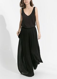 Pleated palazzo trousers with stretch waist and inner lining. Party Wear, Party Dress, Palazzo Trousers, Loose Tank Tops, Fashion Outfits, Womens Fashion, Fashion Clothes, Manga, Trousers Women
