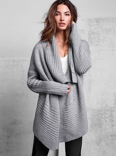 One-button Cardigan Sweater. This looks ridiculously comfy. The lazy bum in me reeaaally wants this.