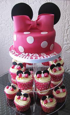 Minnie cake & cupcakes