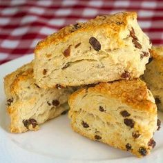 A versatile recipe for sugar free scones to which you can add dried fruits, nuts or even frozen berries to create many favorite versions.