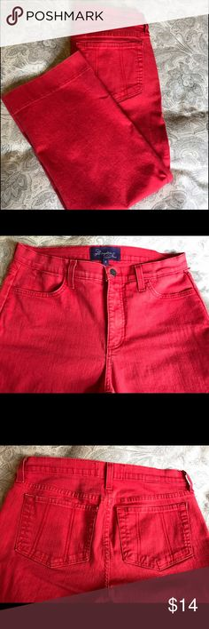 NYDJ Red capris size 6 In excellent ore-owned condition, Not Your Daughter's Jeans size 6 red capris. NYDJ Pants Capris
