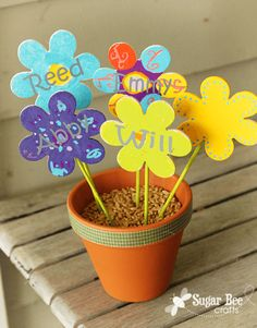 Grandchildren Flowers - a mother's day Michael's craft - Sugar Bee Crafts Diy Mother's Day Crafts, Bee Crafts, Flower Crafts, Diy Flowers, Holiday Crafts, Flower Pots, Holiday Ideas, Mothers Day Crafts For Kids, Crafts For Kids To Make