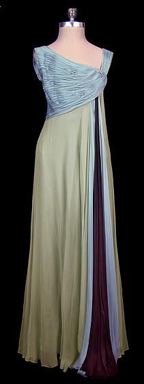 Oleg Cassini  early '60s---sweet, I finally found an Oscars dress. Now to go about winning one. ........