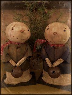 Primitive Christmas Crafts, Primitive Snowmen, Primitive Folk Art, Snowman Crafts, Christmas Sewing, Christmas Fabric, Xmas Crafts, Country Christmas, Christmas Snowman