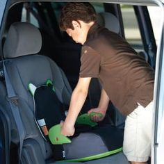 Trunki Boost-a-pak - Backpack & Portable Booster Seat In One: makes air-to-car travel with kids a breeze! $50