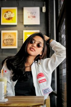 Swag Girl,Indonesia,Girl,Woman Potrait,Persuit of Potrait,Cafe,Potrait at Cafe