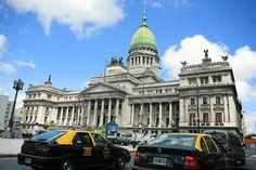 Buenos Aires es la capital de Argentina. Es un lugar popular para visitar.