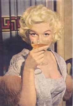 Marilyn Monroe partying