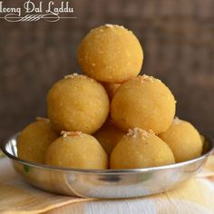 Moong dal laddu is a traditional Indian festive sweet. Often prepared on Holi, Diwali, Janamashtmi or any special occasion throughout the year. Indian Dessert Recipes, Indian Sweets, Indian Recipes, Indian Snacks, Appetizer Recipes, Snack Recipes, Cooking Recipes, Microwave Recipes, Vegetarian Recipes