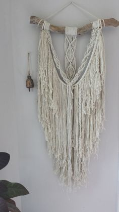 Etsy の Macrame Wall Hanging Madison by Woodrowandco