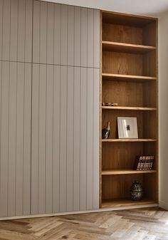 Kooyong by Outline Projects & Kennedy Nolan - Arts & Craft Architecture - The Local Project Bedroom Built In Wardrobe, Wardrobe Doors, Built In Wardrobe Ideas Alcove, Wardrobes For Bedrooms, Office Wardrobe, Wardrobe Storage, Capsule Wardrobe, Wall Storage, Hidden Storage