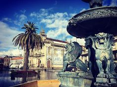 #porto #portugal #happymoments #travel #instatravel #palmtrees #azulejos #picoftheday #citytrip #cityview #church #travelphotography #travelgram #ourtrip #ourtime #happyness #togetherforever