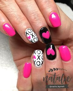23 Creative Valentine s Day Nail Art Ideas You ll Want to Steal - Ten Catalog How to utilize nail polish? Nail polish in your friend's nails looks perfect, Nail Design Spring, Valentine Nail Art, Valentine Nail Designs, Nailart, Valentine's Day Nail Designs, Nagel Gel, Holiday Nails, Toe Nails, Nails Inspiration