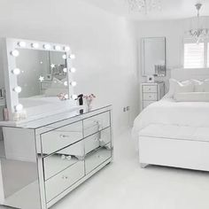 Bedroom Decor For Small Rooms, Bedroom Decor For Teen Girls, Teen Room Decor, Stylish Bedroom, Room Ideas Bedroom, Ikea Room Ideas, Dressing Room Decor, Dressing Room Design, Dressing Table