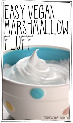 Just 4 ingredients make this easy vegan marshmallow fluff that taste just like marshmallows and can even be toasted for the perfect s'more! #itdoesnttastelikechicken Healthy Vegan Dessert, Keto Vegan, Cake Vegan, Vegan Dessert Recipes, Vegan Treats, Vegan Foods, Vegan Dishes, Whole Food Recipes, Easy Recipes