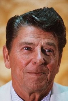 Ronald Reagan Greatest Presidents, American Presidents, Us Presidents, 40th President, President Ronald Reagan, Ronald Reagan Quotes, Nancy Reagan, Presidential History, Jfk