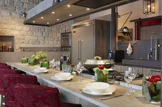 Xaviez vous présente la réalisation d'une cuisine en chêne old grey, ardoise violine et fer vieilli. Retrouvez toutes nos cuisines en chêne.