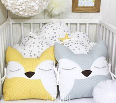 Baby cot bumpers for wide bed, 5 cloud cushions or pillows, pale pink, white and grey Owl Cushion, Cloud Cushion, Animal Cushions, Small Cushions, Baby Safety, Child Safety, Baby Room Decor, Nursery Room, Baby Cot Bumper