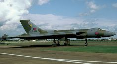 Vulcan B Mk.2 XL444.Completed 29 October 1962 & fitted with Olympus 201 engines.Blue Steel modified.Served with: 27 Squadron November 1962 Scampton Wing,230 OCU June 1966,Scampton Wing June 1967,230 OCU April 1971,27 Squadron May 1971,617 Squadron September 1971,230/617 Squadron July 1972,617 Squadron December 1973,35 Squadron May 1978,IX Squadron April 1981.Assigned Cat.5(c) RAF Waddington & grounded 10 September 1982.Sold to Bird Group as scrap 8 December 1982.