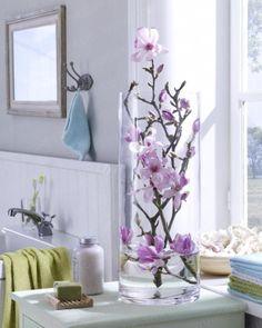 Magnolien in der Glasvase