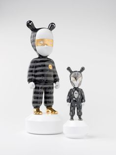 Black and White Inspiration -The Guest by Rolito Large Figurine -The Guest by Rolito Figurine Designer Toys, Kid Spaces, Chinese Art, New Art, Sculpture Art, Contemporary Art, Kids Room, Artwork, Painting