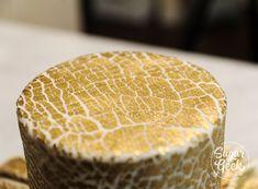 gold crackled fondant