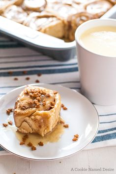 Eggnog Sticky Rolls with Maple Bourbon Pecan Filling and Eggnog Glaze ...