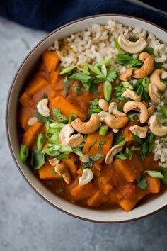 Hearty Sweet Potato Curry | http://naturallyella.com