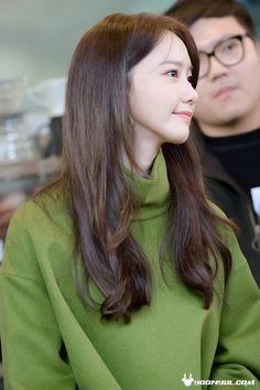 """regram 161111 Yoona at """" Korean Girl, Asian Girl, Korean Idols, Snsd Airport Fashion, Yoona Snsd, Korean Actresses, Ulzzang Girl, Girls Generation, Kpop Girls"""