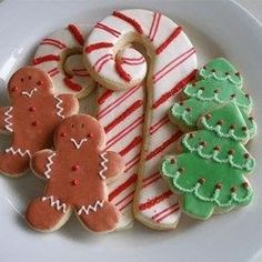 I make these vanilla biscuits every year, cutting the dough out in different shapes every time! This recipe makes a lot of biscuits - great for gifts and for Santa! Rolled Sugar Cookies, Cut Out Cookies, Sugar Cookies Recipe, Holiday Cookies, Cookies Soft, Icing Recipe, Sugar Cookie Recipe With Margarine, Recipe Cup, Fancy Cookies