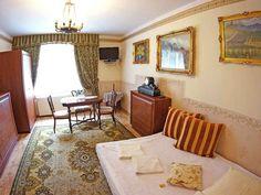 Hotel Florian to miejsce sprzyjające pobytom rodzinnym: dzieci do lat 12 mają zagwarantowany bezpłatny pobyt (o ile śpią na łóżkach obecnych w pokoju), a dla niemowląt do 2 lat, zapewniane jest bezpłatnie łóżeczko niemowlęce.  http://www.hotel-florian.pl/hotel-w-krakowie/