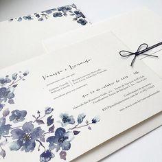 E o final de semana também foi dos queridos noivos Vanessa e Leonardo #casamentovaneleo 💙💙💙 Convite lindo e inusitado com floral azul 😍😍😍 Eu ADORO!!! 👏🏻👏🏻👏🏻  #noiva #noivo #groom #bride #casamento #wedding #identidadevisual #padrinho #convitedecasamento #weddingstationery #stationery #fashion #watercolor #weddinginvitation #finepaper #bridetobe #custommade #handmade #yukifujitabrasil