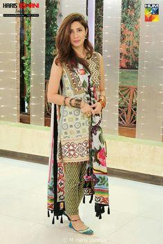 mahira khan for promotion of her drama serial Bin roye