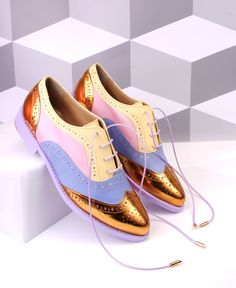 Jsport Women S Water Shoes Gold Boots, All About Shoes, Rubber Shoes, Kinds Of Shoes, Brogues, Brogue Shoe, Pretty Shoes, Fashion Shoes, Style Fashion