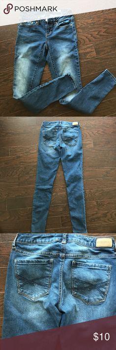 Aeropostale  denim jeggings Size 0 skinny legs denim jegging medium wash regular waist Aeropostale Jeans Skinny