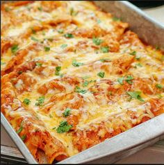 Chicken Enchiladas---use the other half of chicken in white chicken chili. Get this ready on a Sunday to finish baking on a Monday! Chicken Enchilada Bake, Recipes With Enchilada Sauce, Red Enchilada Sauce, Chicken Chili, Chicken Casserole, Veggie Enchiladas, Best Enchiladas, Horchata, Tamales