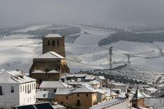 The winter in Andalucia does still provide for some great bike rides.. snow is really a rarity here but when it does come, it is beautiful. Here is #AlhamaDeGranada in the snow.
