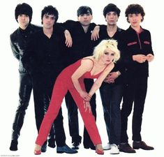 Darian Darling: A Guide To Life For Modern Blondes!: Darling Delight: Atomic Blondies Recipe inspired by Debbie Harry! Blondie Debbie Harry, Blondie Albums, Blondie Band, Shirley Manson, New Wave Music, Music Pics, Vinyl Music, American Singers, Blondies
