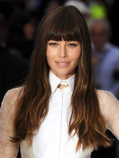 Jessica Biel : Long, ombre with blunt bangs
